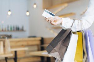 Kako preko spleta plačujejo kupci iz različnih držav?